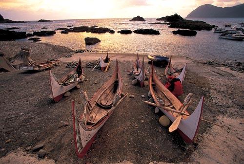 Fabricación de canoas de los aborígenes Tao