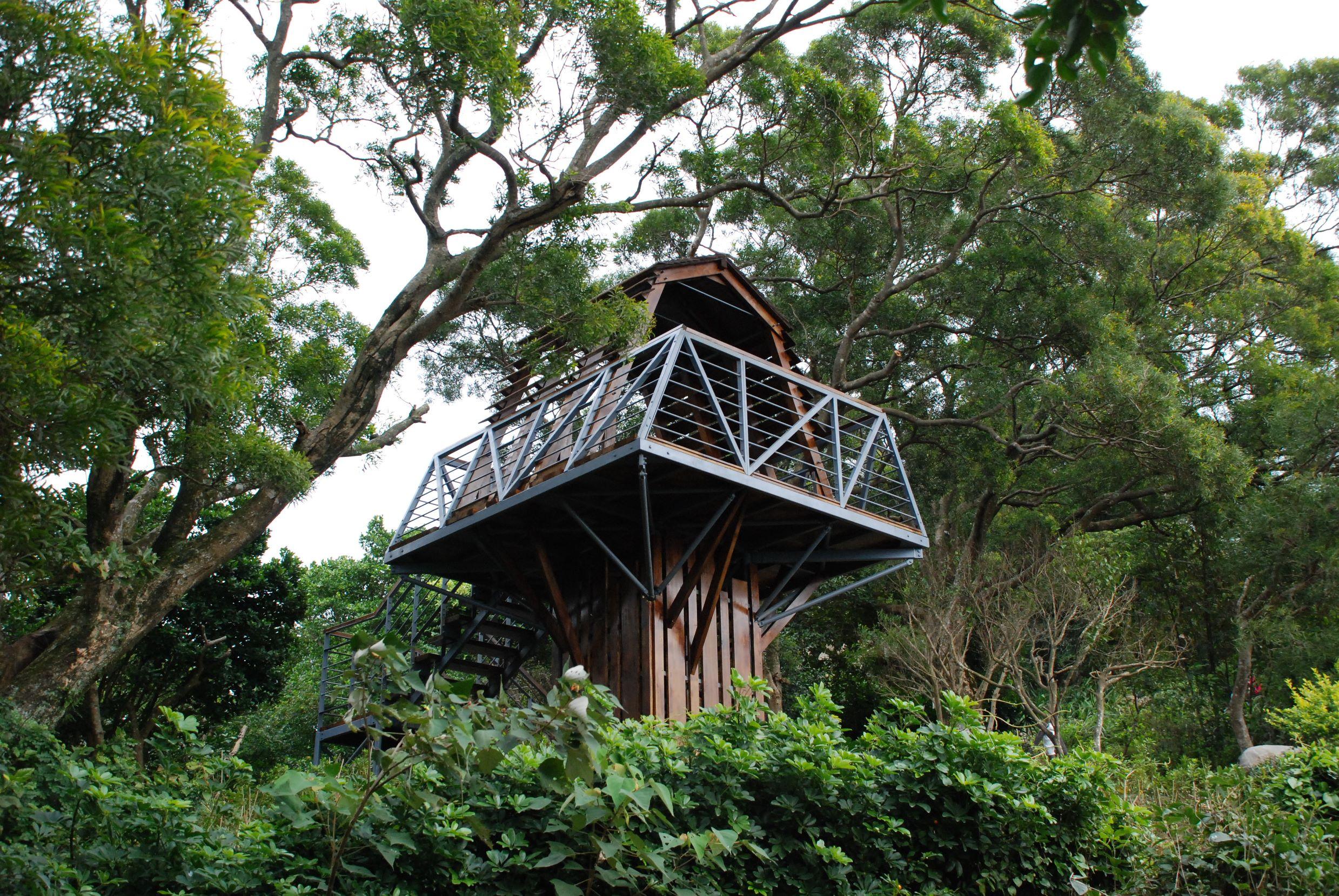 觀音山牛港稜步道樹屋型觀景平臺