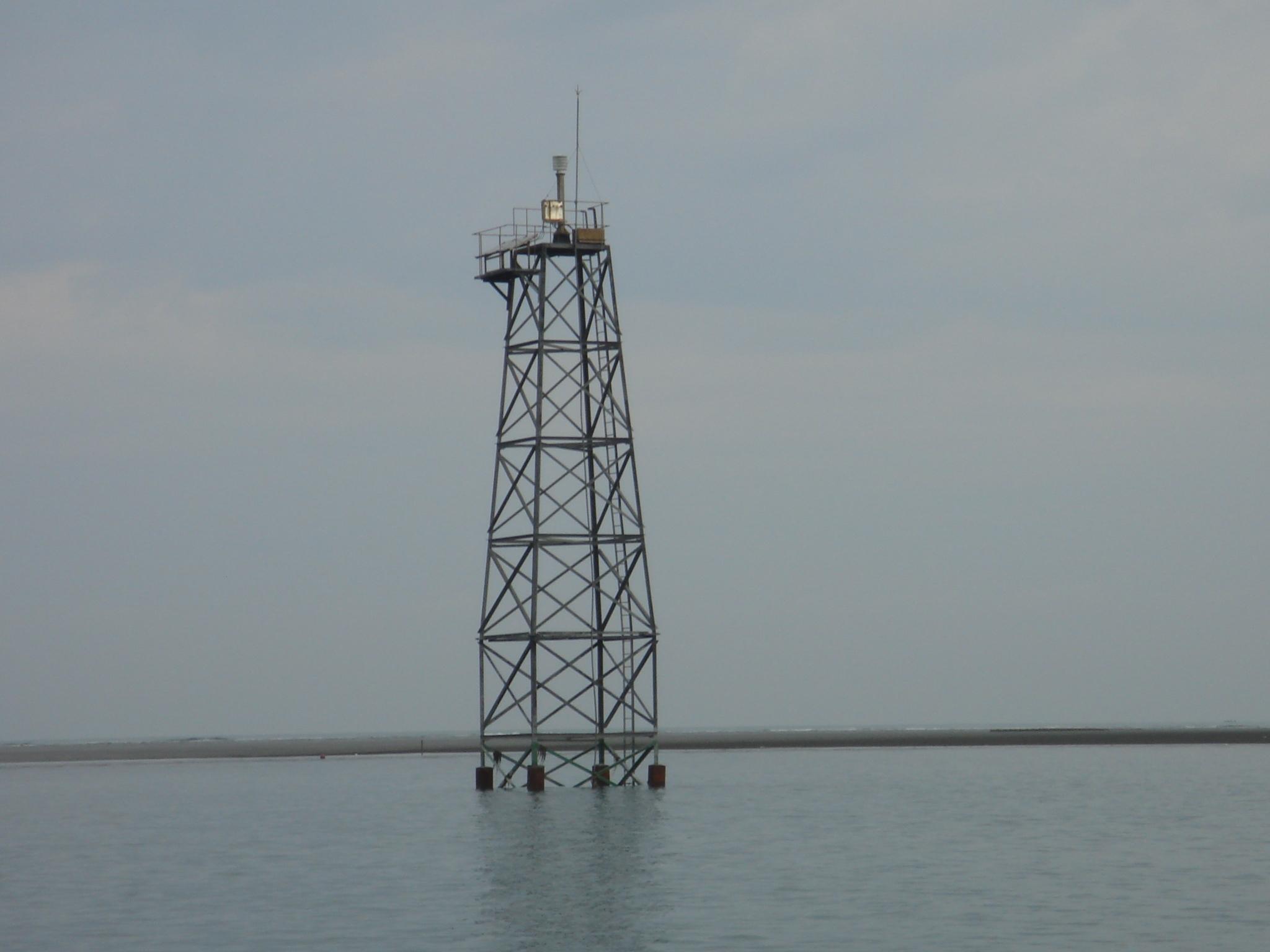 塭港堆燈塔