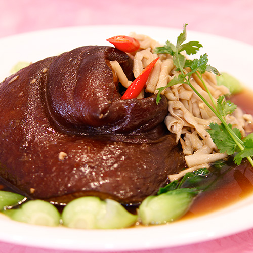 Stewed pork knuchkes