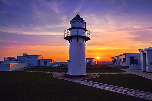 Puesta de sol en el Faro Xiyu